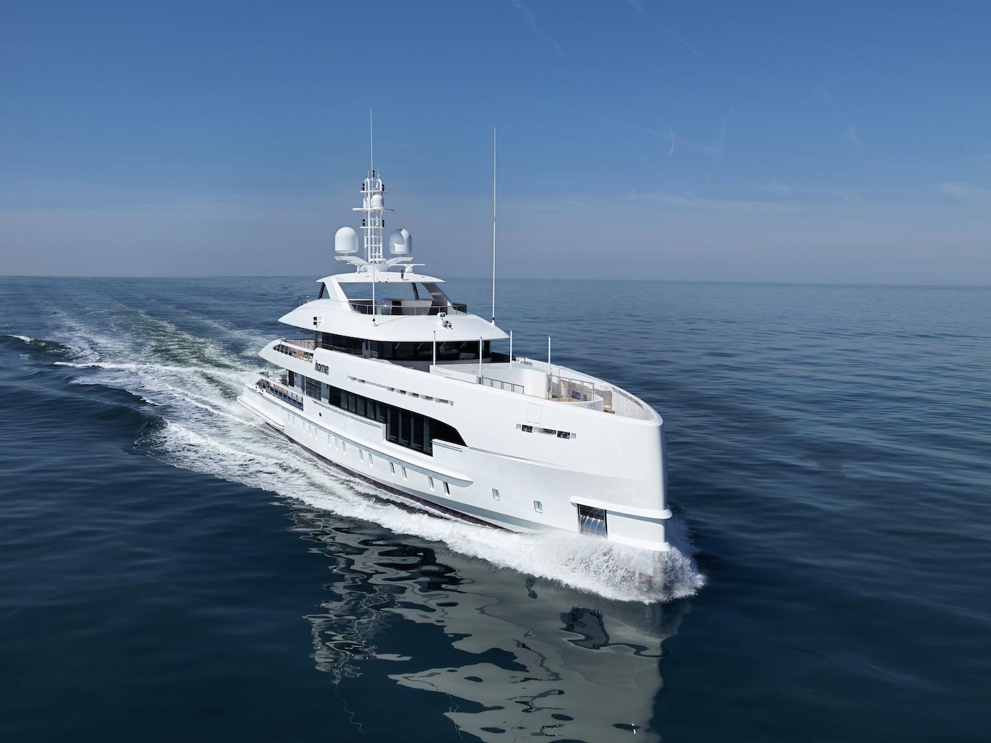 Luxury yacht HOME by Heesen - Photo Dick Holthuis