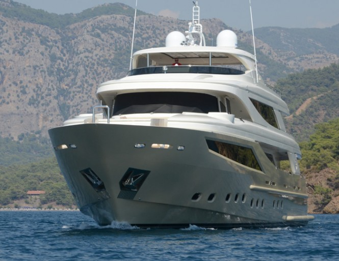 Luxury yacht My Steel - front view