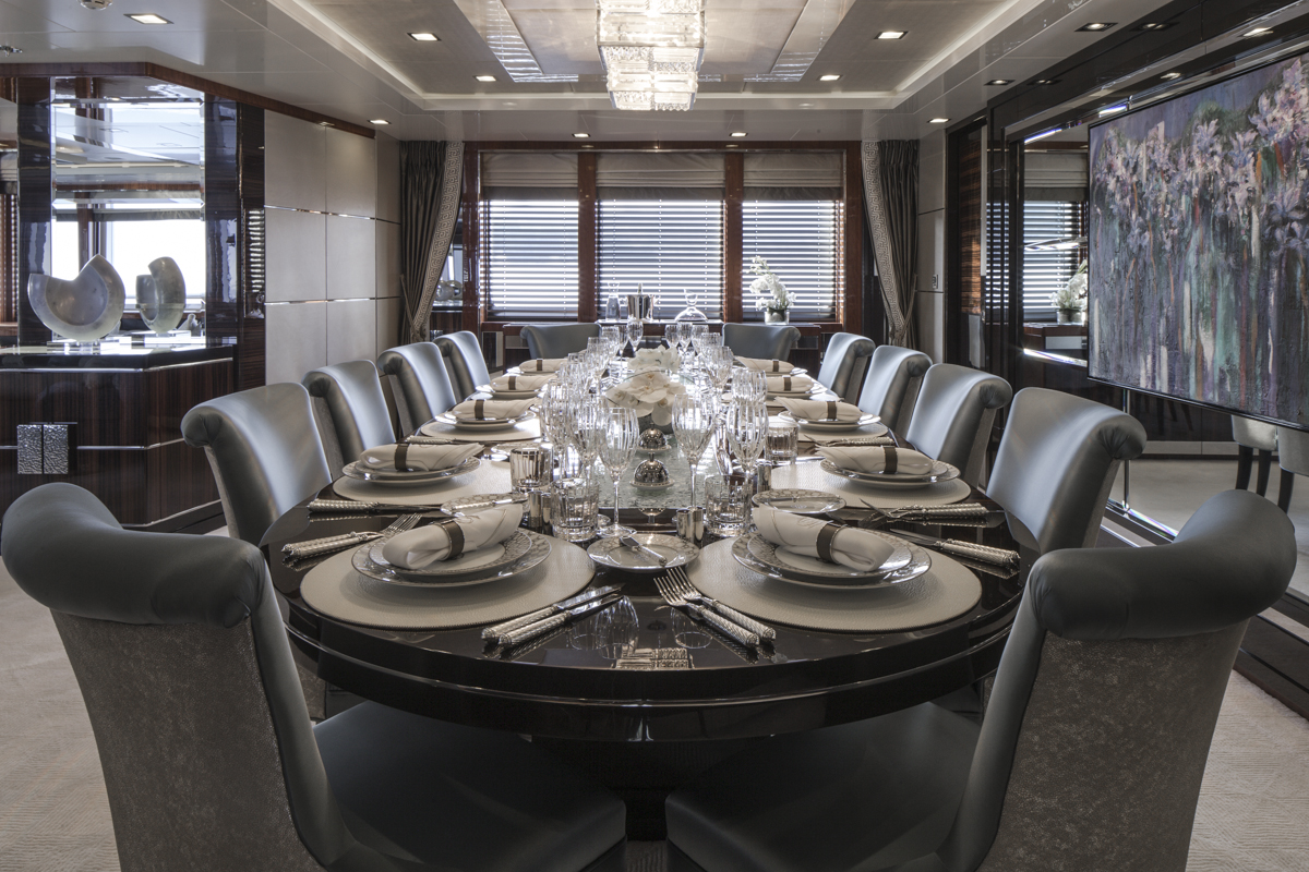 Luxury yacht TURQUOISE - Formal Dining - Main Saloon