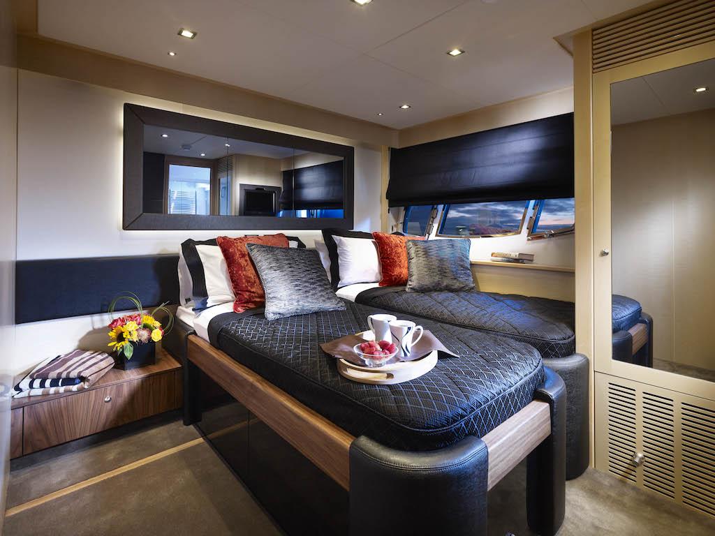 Luxury yacht VEUVE - Twin Cabin