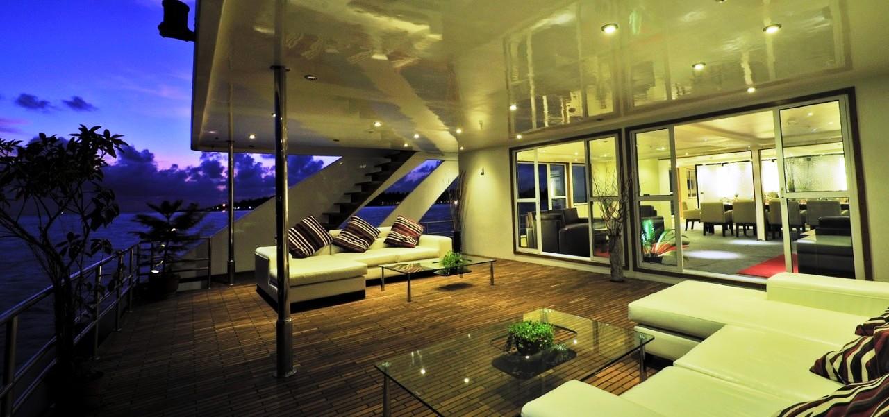 MALDIVE MOSIAQUE - Main deck outdoor sun set
