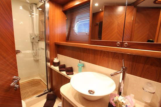 MOLIVER -  Guest Bathroom