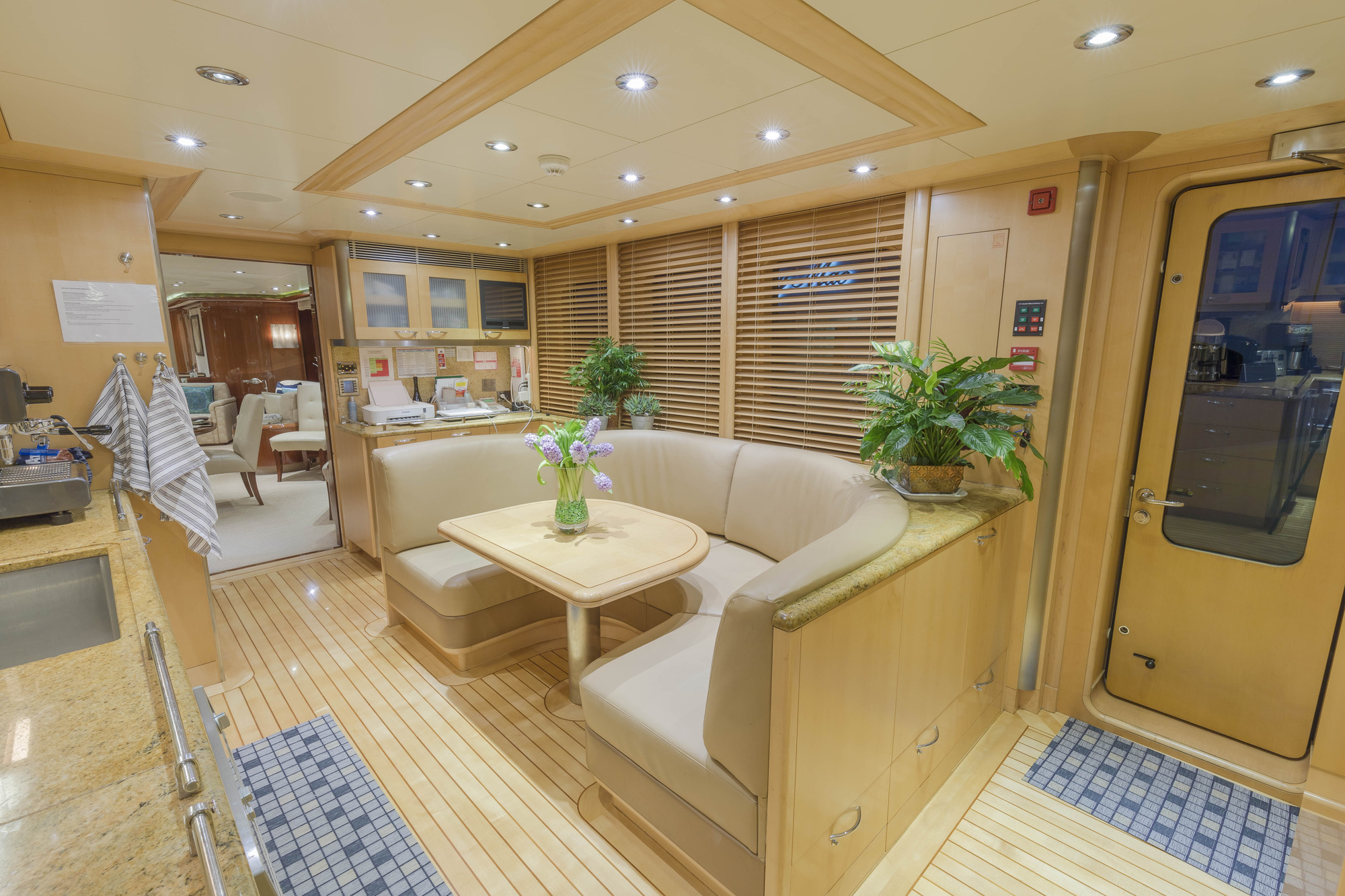 MY ALLEGRIA - Country galley seating main deck