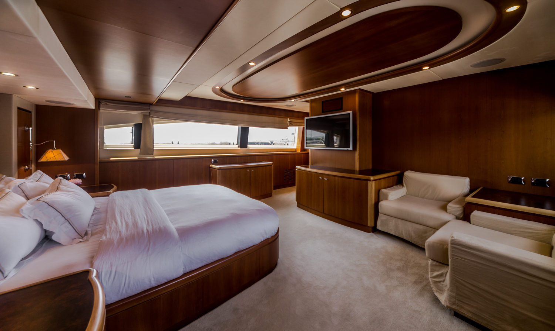 MY ANTONIA II - Master cabin view