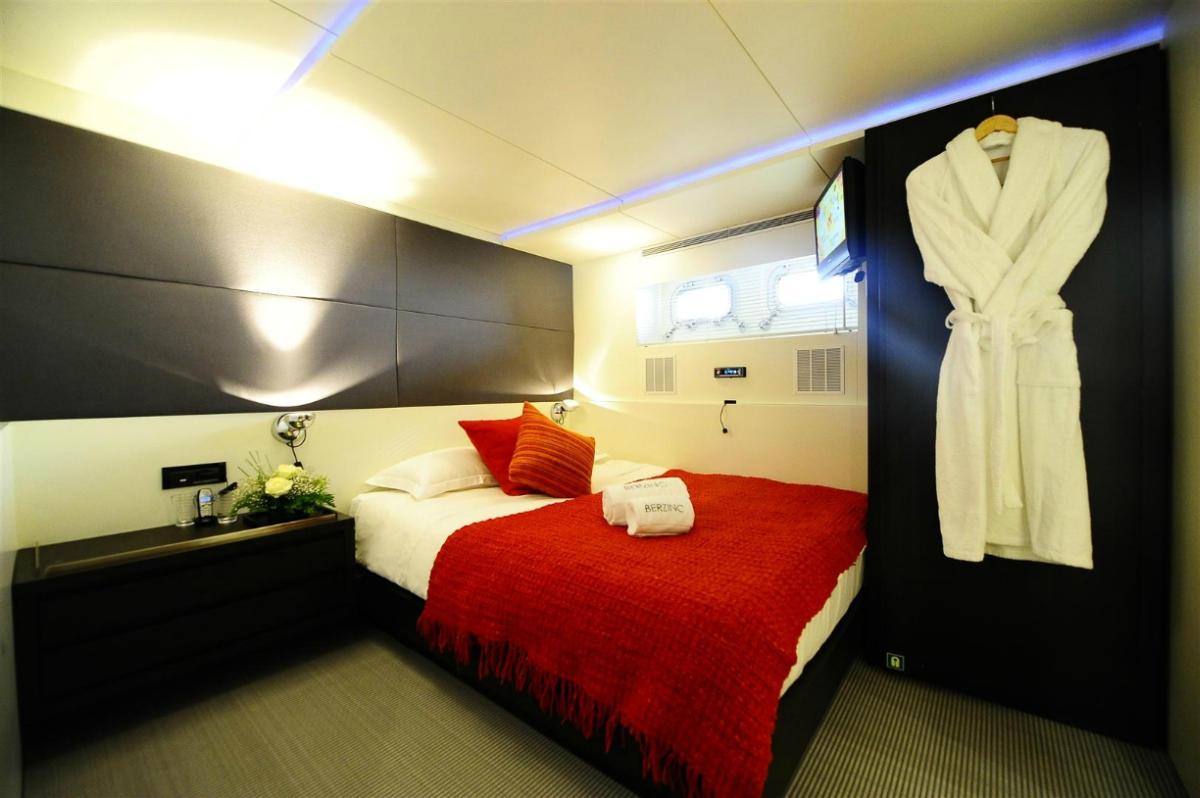 MY BERZINC - Guest port cabin