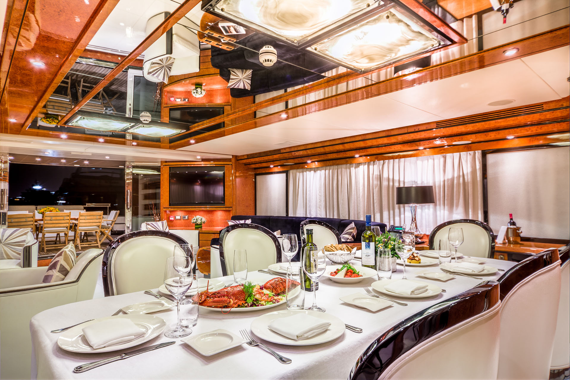 MY MILOS AT SEA - Formal dining