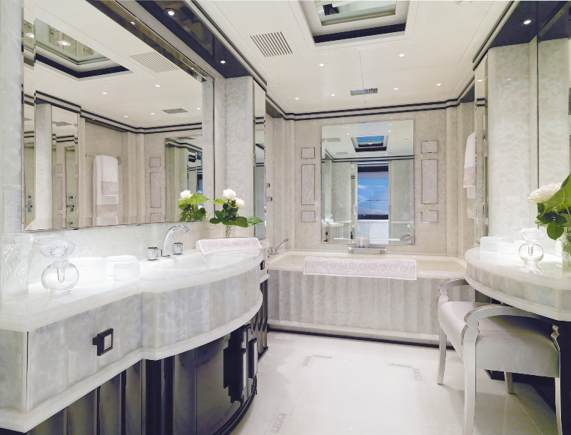 MY SILVER ANGEL - Master ensuite