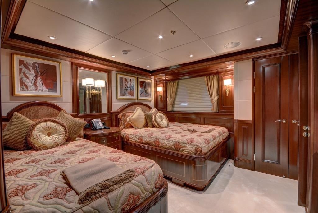 MY SOVEREIGN 55 - Twin cabin