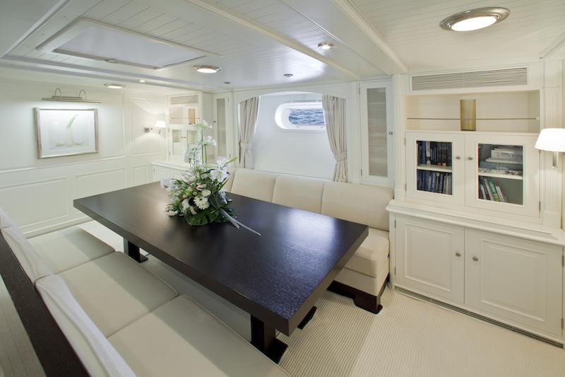 Mari Cha II superyacht - dining