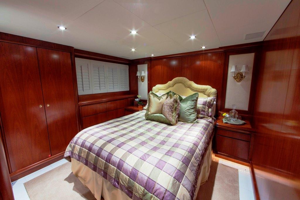 Motor Yacht ASPEN ALTERNATIVE - Guest cabin 2
