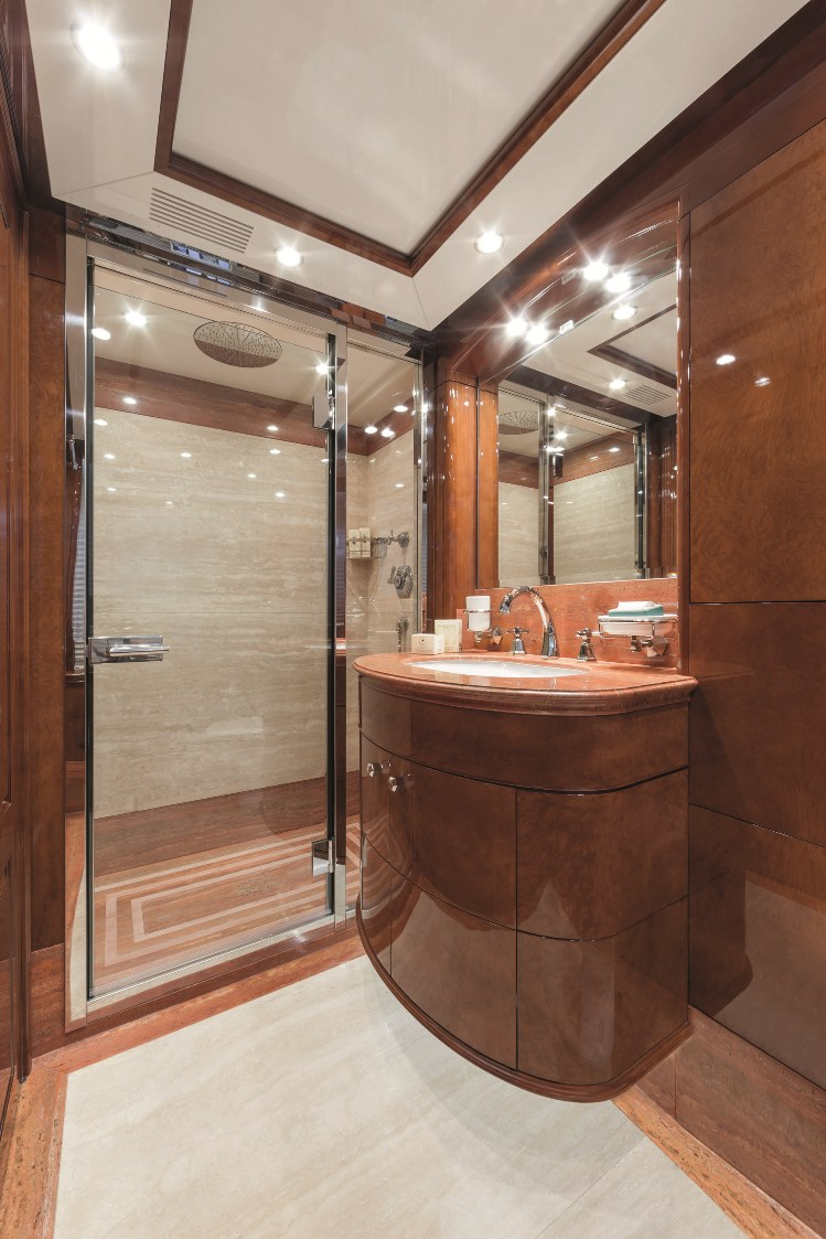 Motor Yacht CHECKMATE. -  Twin Cabin  Ensuite