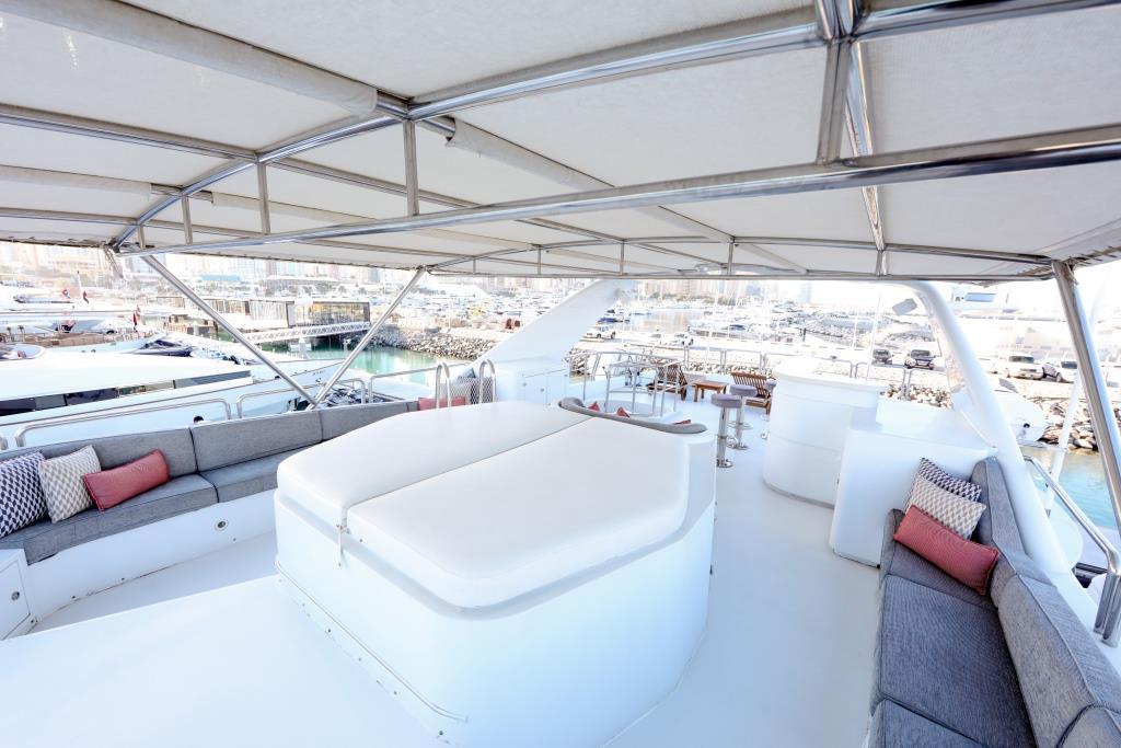 Motor Yacht DXB - Sundeck view