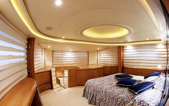 Motor Yacht ERATO -  Master