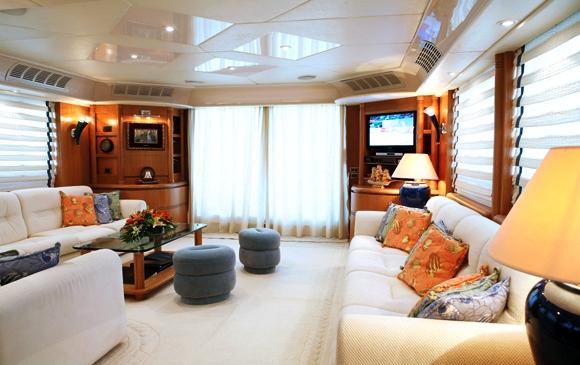 Motor Yacht ERATO -  Salon