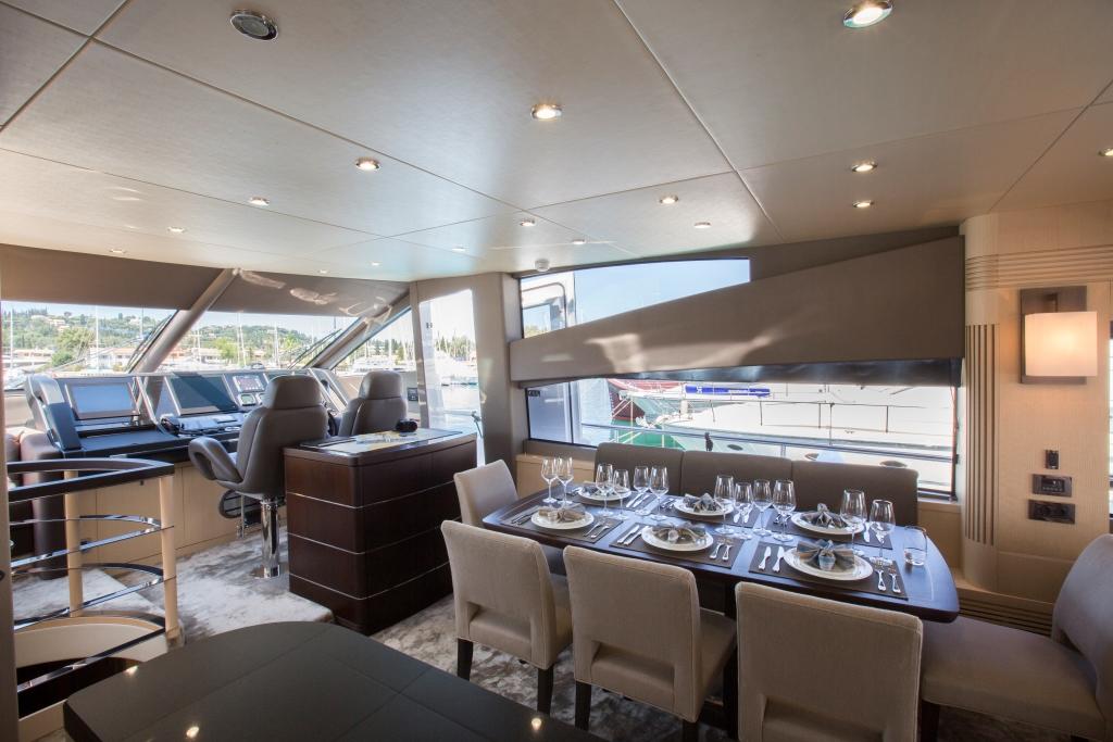 Motor Yacht FINEZZA - Dining