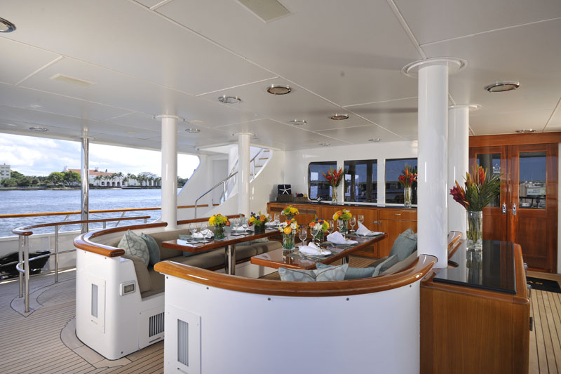Motor Yacht GRAVITAS -  Alfresco dining