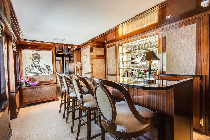 Motor Yacht GRAVITAS -  Bar
