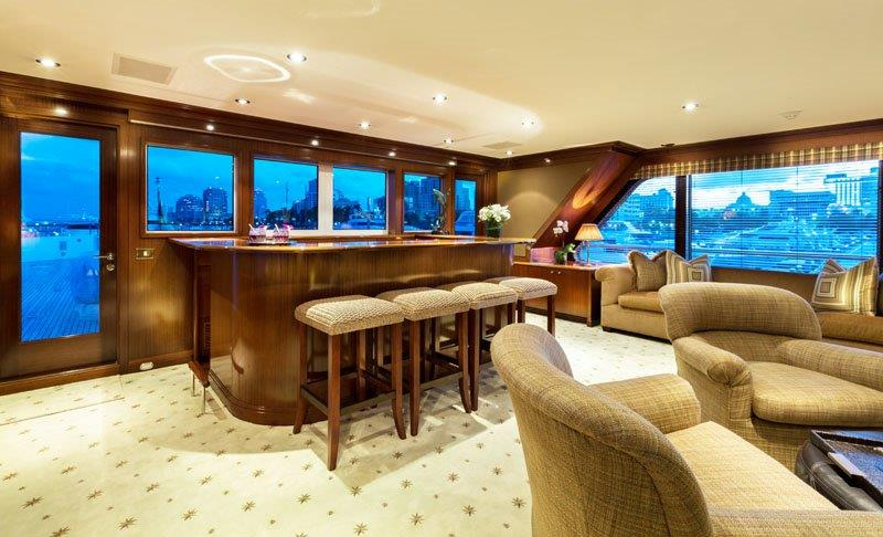Motor Yacht GRAVITAS -  Skylounge bar