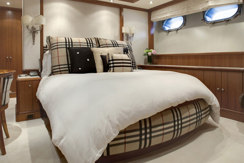 Motor Yacht Jo Burberry Guest Bedroom