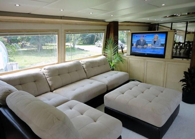 Motor Yacht JUSTINE -  Main Salon Seating