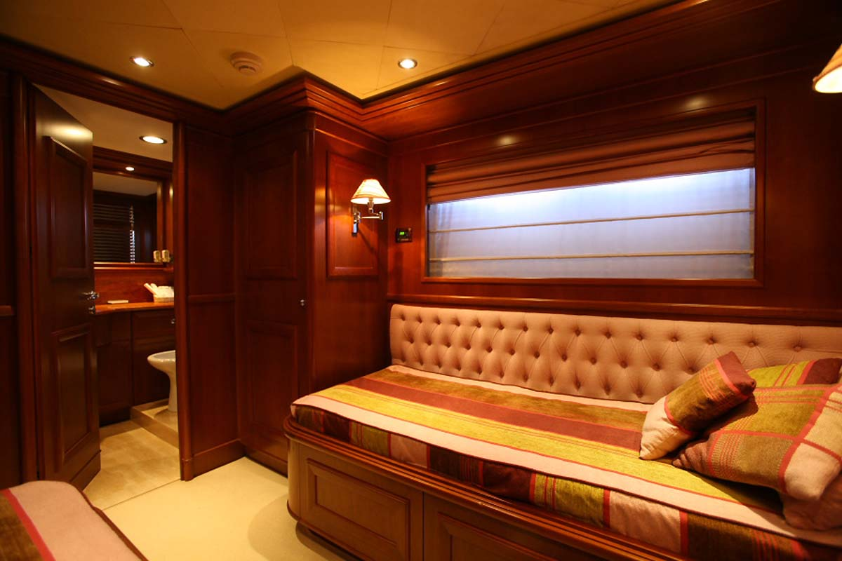 Motor Yacht KLOBUK - Twin cabin