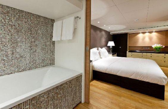 Motor Yacht LARS -  Master Cabin and Bathroom