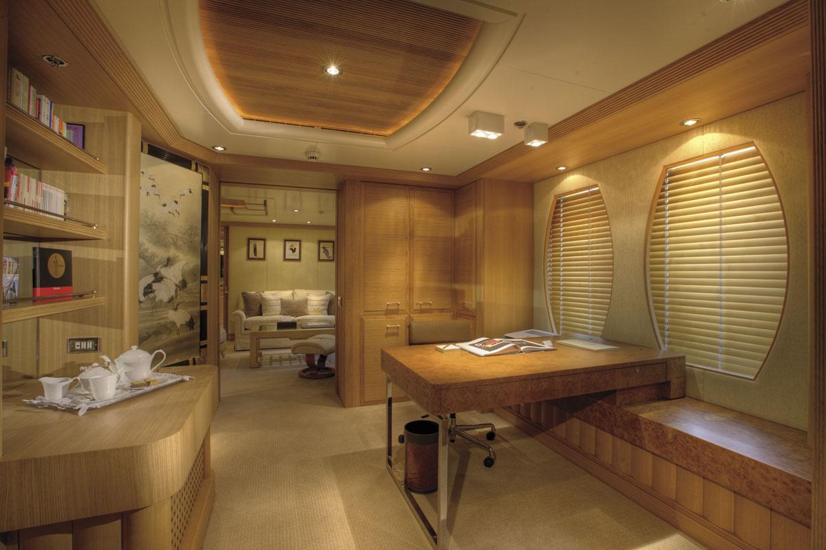 Motor Yacht MARLA - Master study