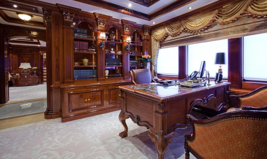 Motor Yacht MARTHA ANN - Master office