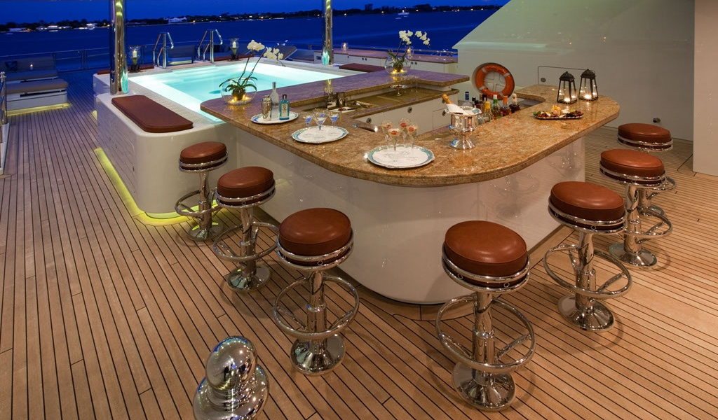 Motor Yacht MARTHA ANN - Wet Bar
