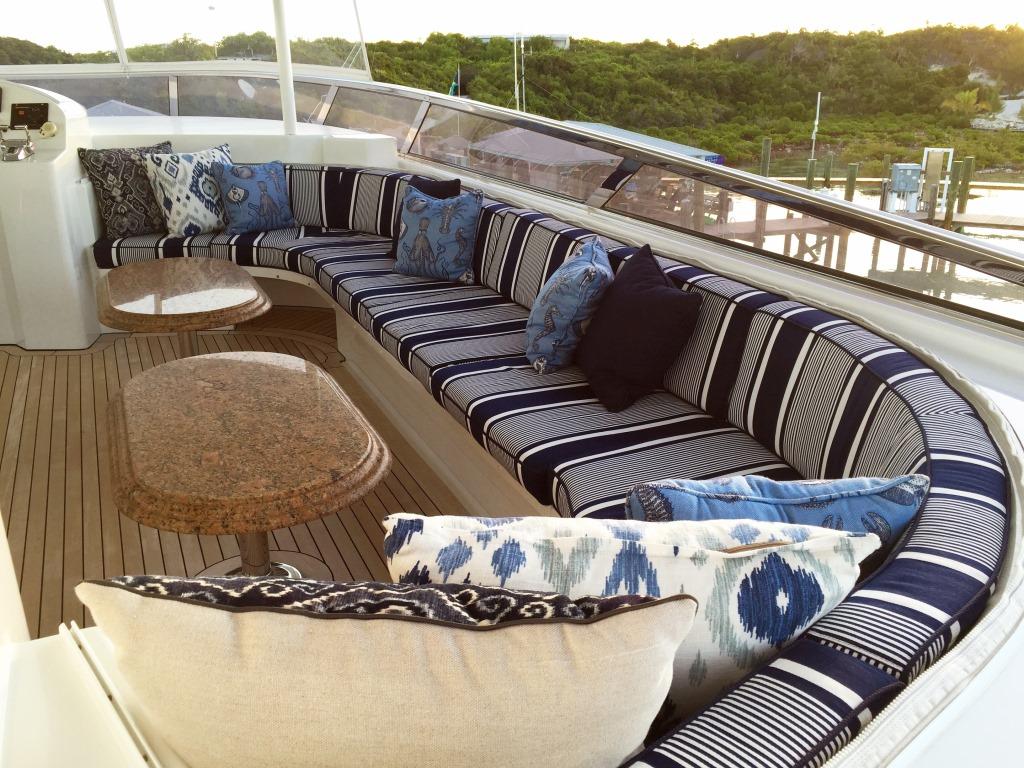 Motor Yacht OASIS - Aft deck