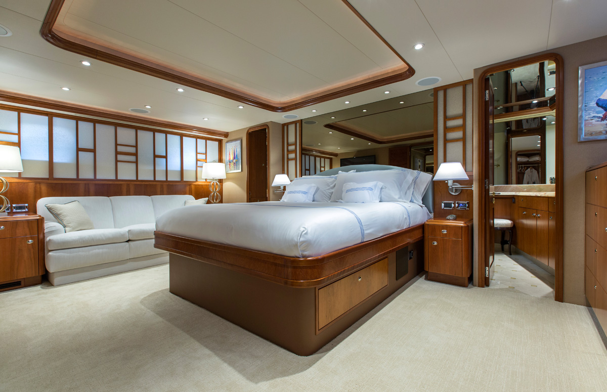 Motor Yacht OASIS - Master suite