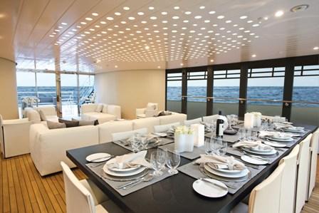 Motor Yacht OCEAN EMERALD - dining