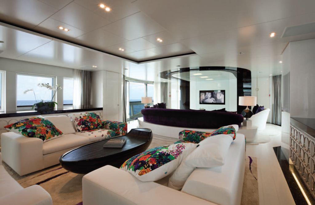 Motor Yacht Quinta Essentia -  Main Salon