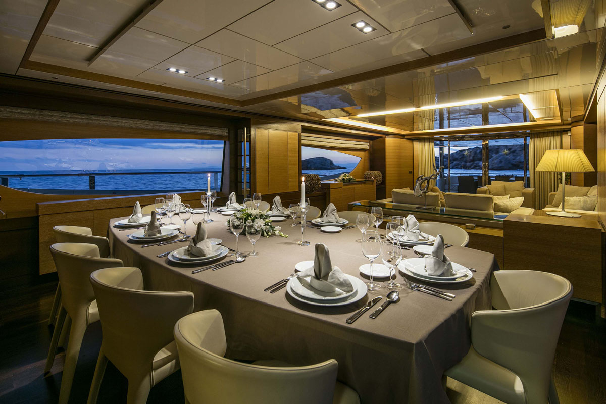 Motor Yacht RINI -  Formal dining