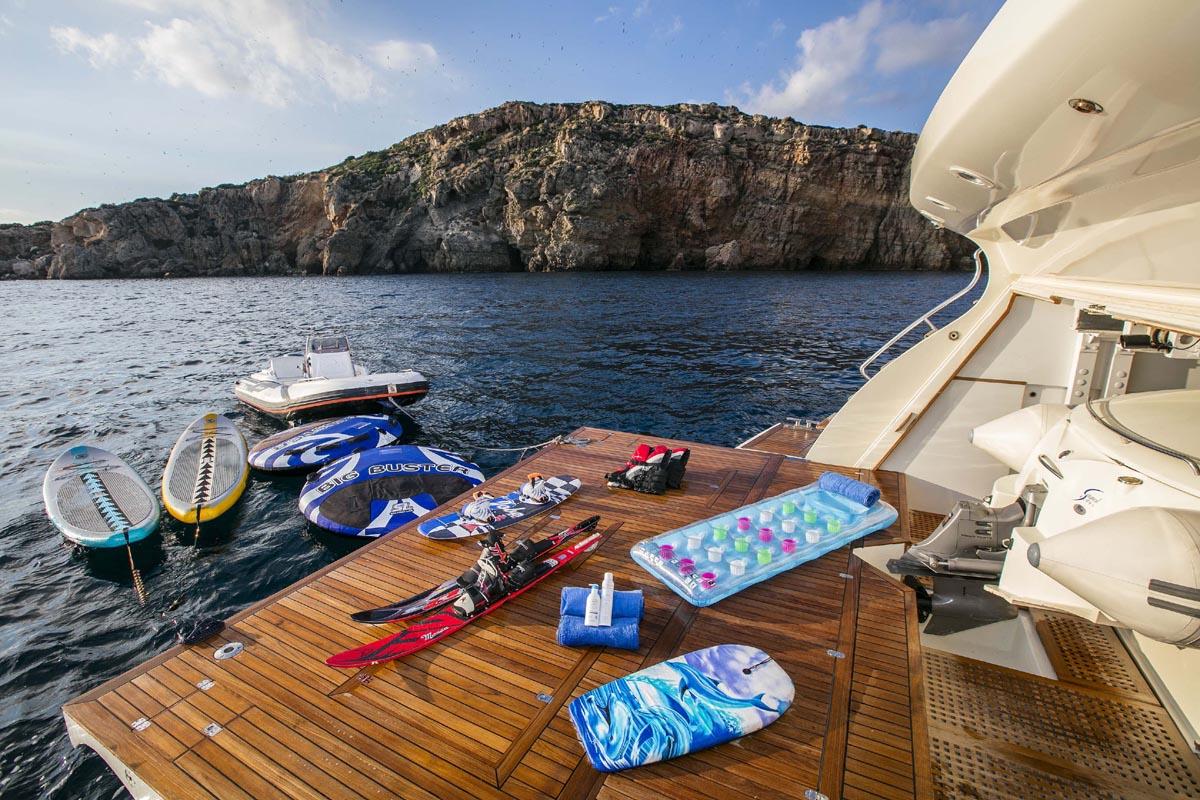 Motor Yacht RINI -  Swim platform