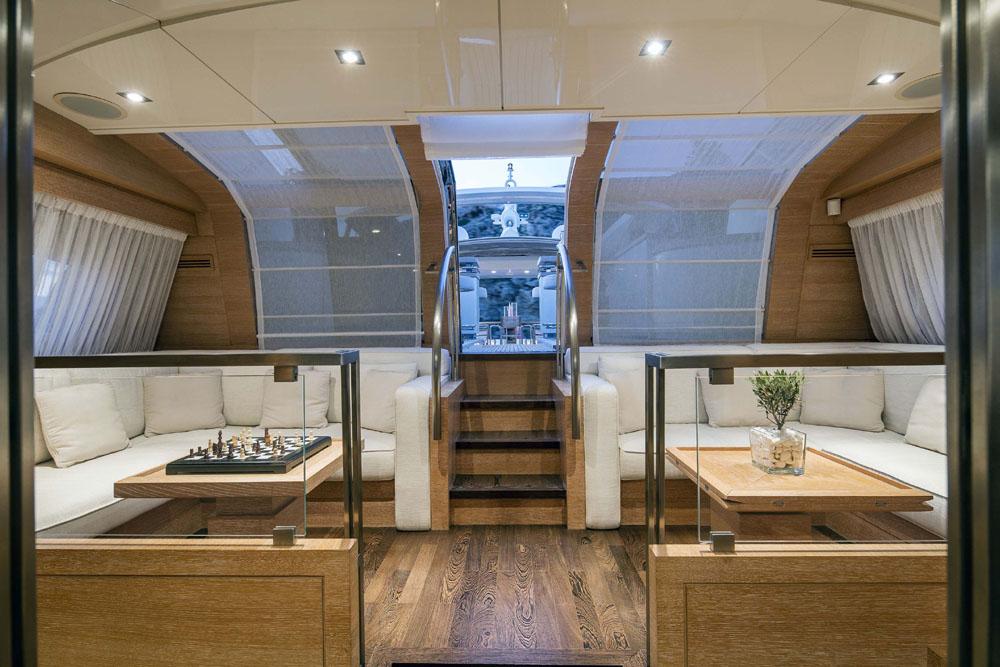 Motor Yacht RINI -  Upper salon