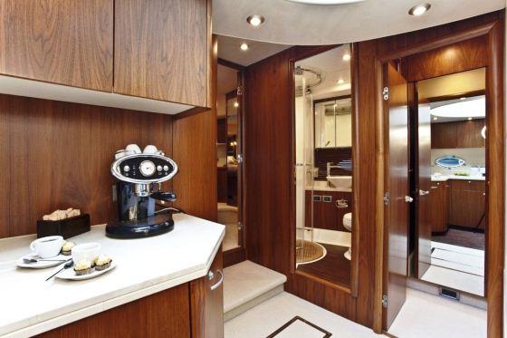 Motor Yacht Rej -  Galley