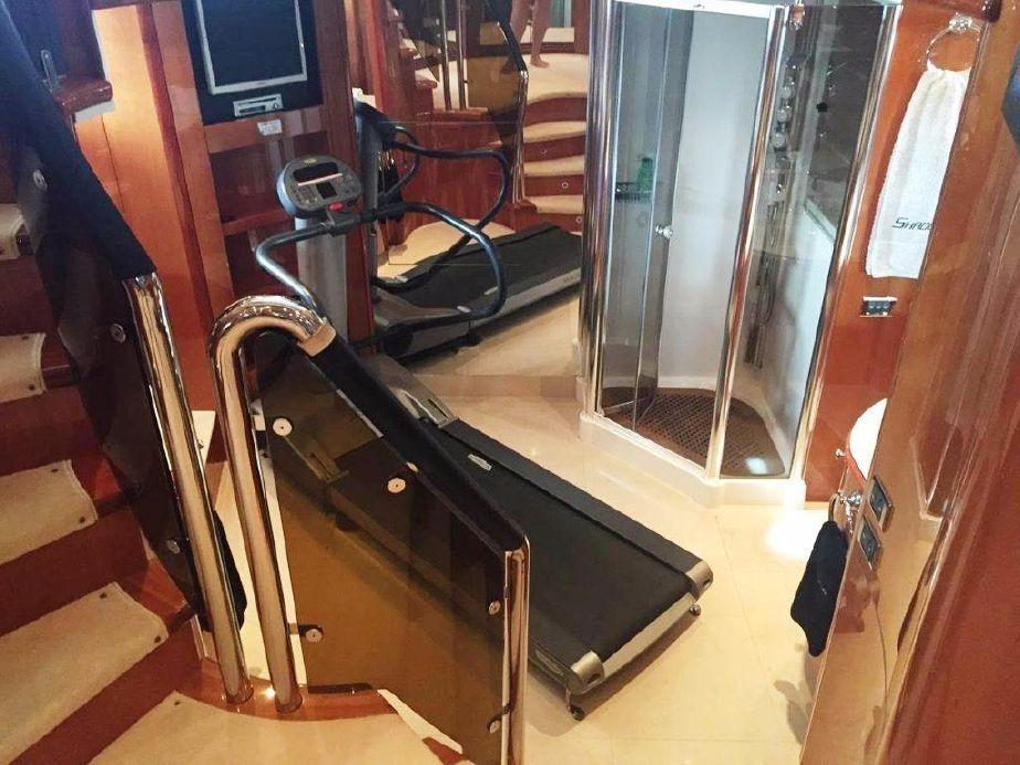 Motor Yacht SHADOW - Gym