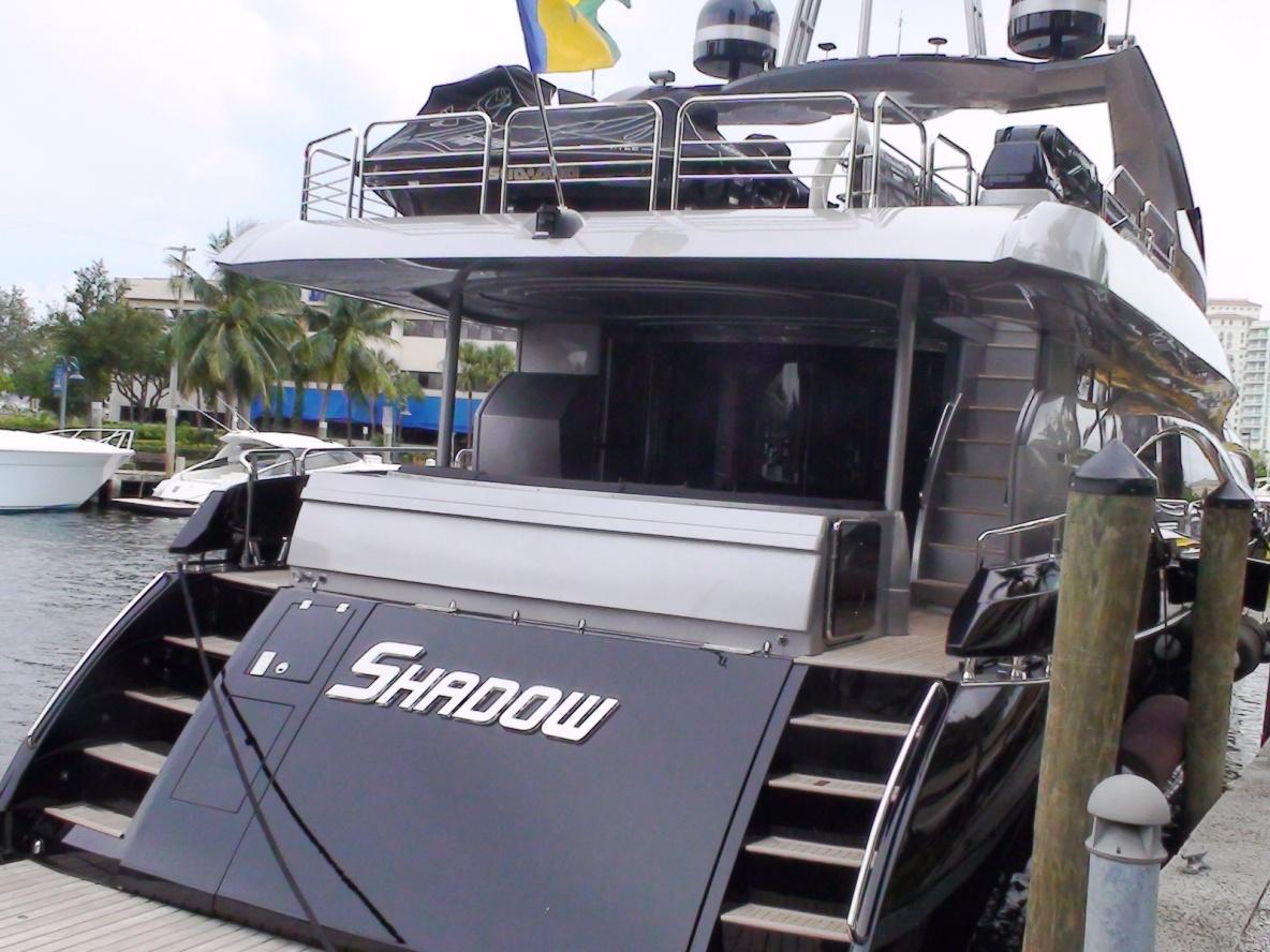Motor Yacht SHADOW - Stern