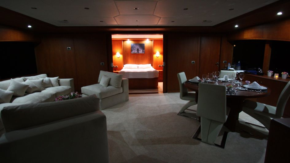 Motor Yacht Seven Spice - Sky Suite - Image Luxury Motor Yachts