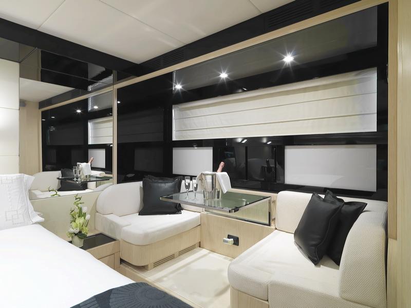 Motor Yacht Stinray M -  Master Cabin Seating Area