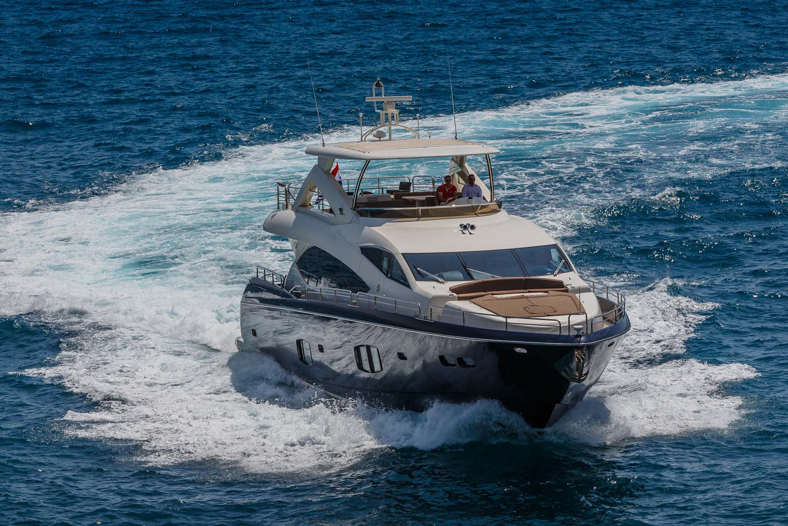 Motor Yacht THE BEST WAY - Bow view