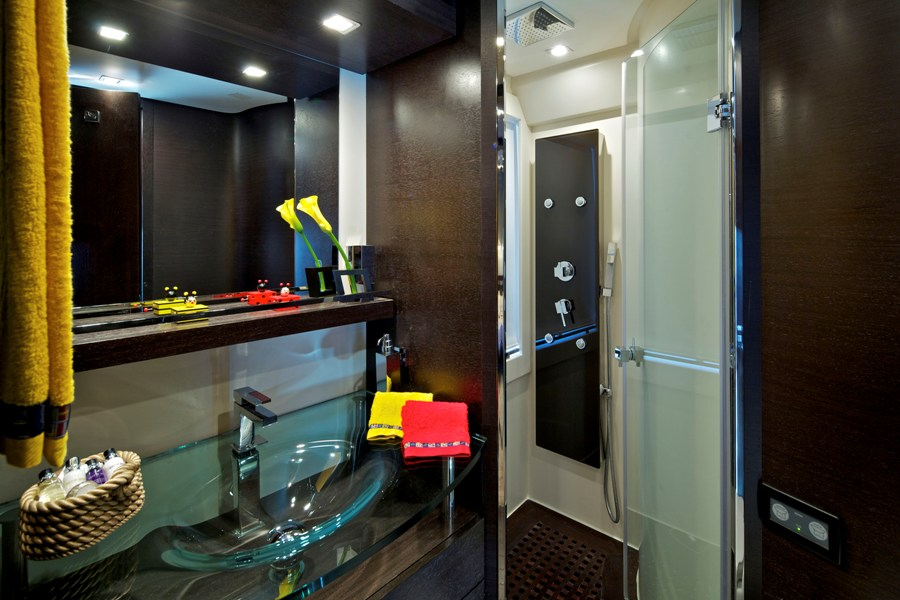 Motor Yacht THEA -  Ensuite