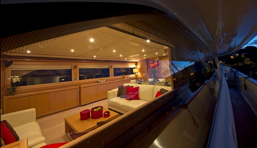 Motor Yacht ZIACANAIA - Salon from Outside