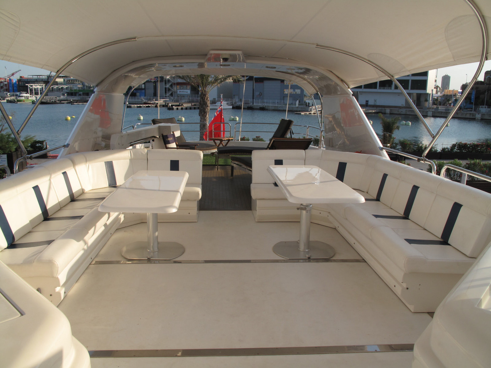 Motor yacht  MOONDANCE - Sundeck Seating