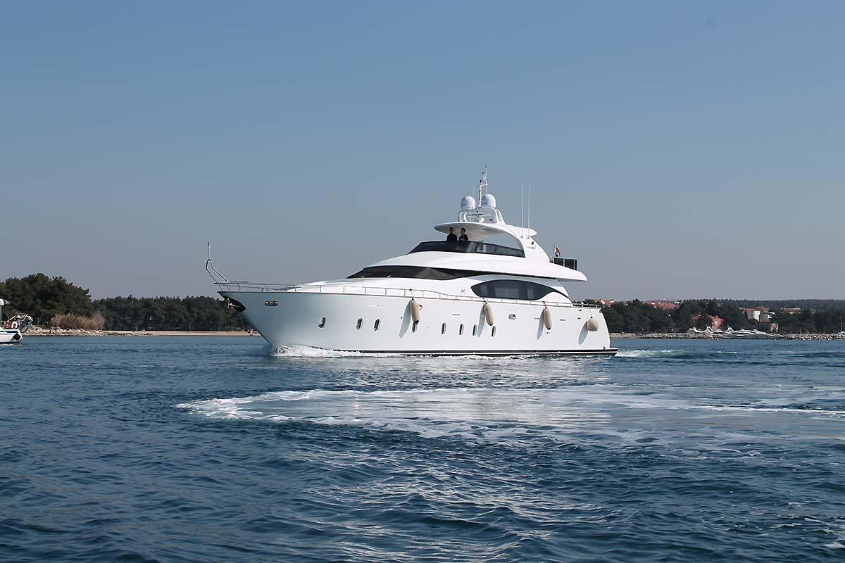 Motor yacht 888 - 002