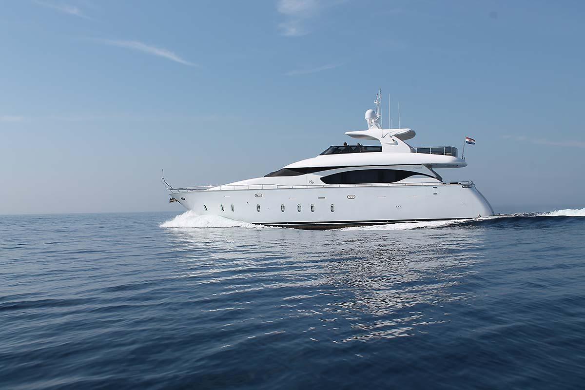Motor yacht 888 - 003