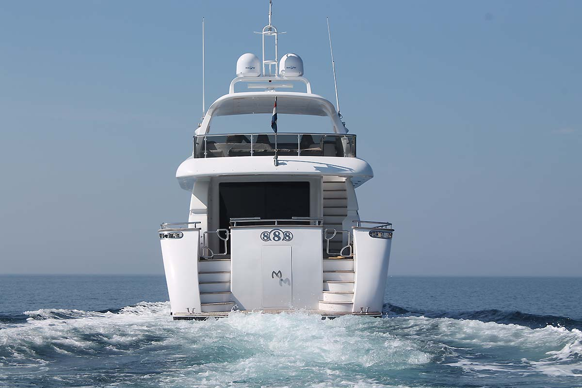 Motor yacht 888 - 005