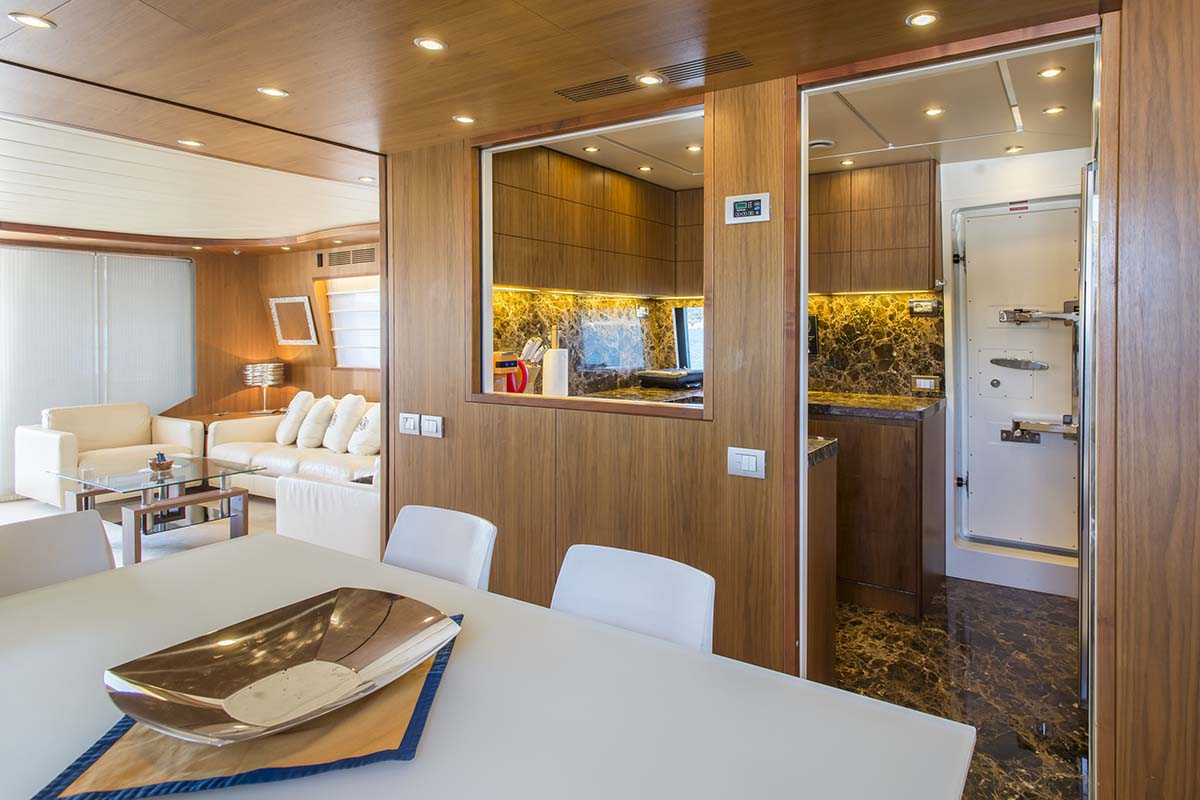 Motor yacht 888 - 014