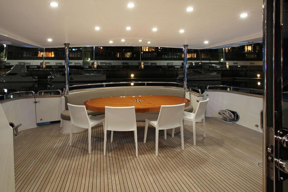 Motor yacht AQUARIUS - Aft Deck Al Fresco Dining